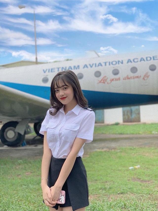 Nhan sắc xinh tươi của nữ sinh học viện Hàng không - 1