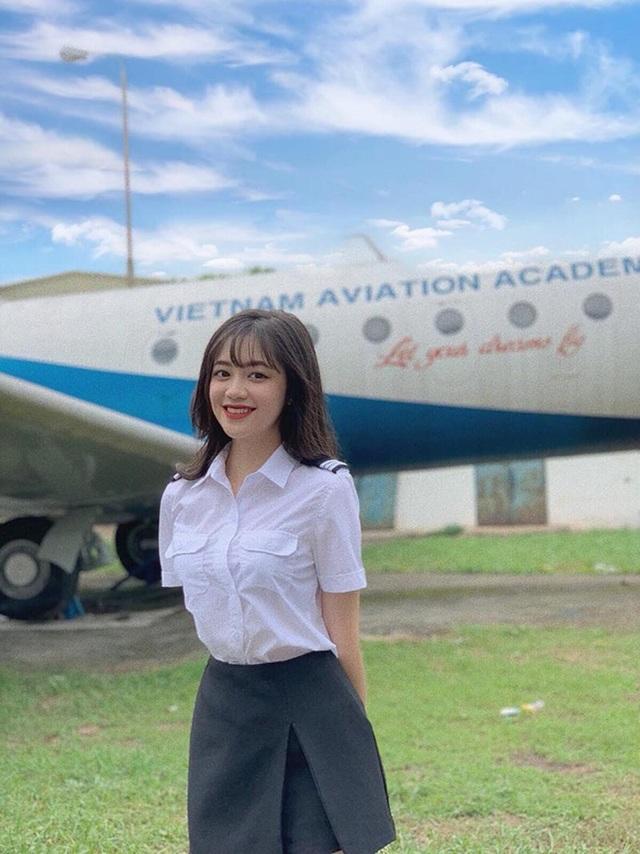 Nhan sắc xinh tươi của nữ sinh học viện Hàng không - 2