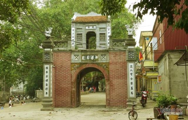 Lão gia giàu nứt vách ẩn mình trong ngôi làng cổ 800 tuổi ở Bắc Giang - 1