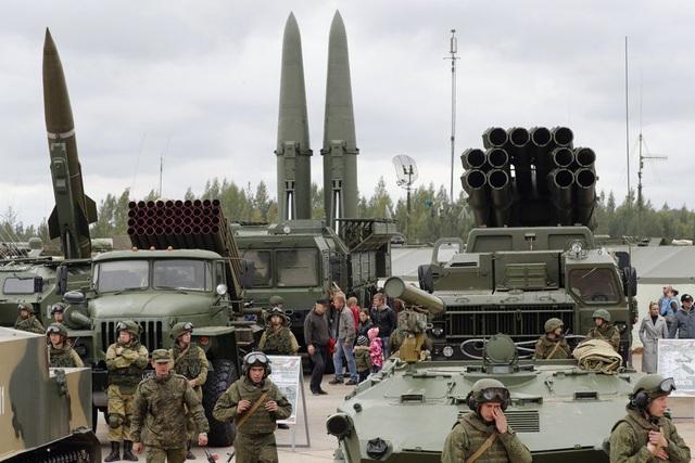 """Vì sao Đông Nam Á """"chuộng"""" vũ khí Nga, không mặn mà với Mỹ? - 3"""