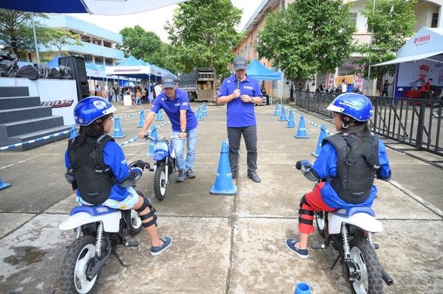 Thú vị trải nghiệm học lái xe mô tô dành cho trẻ em - 4