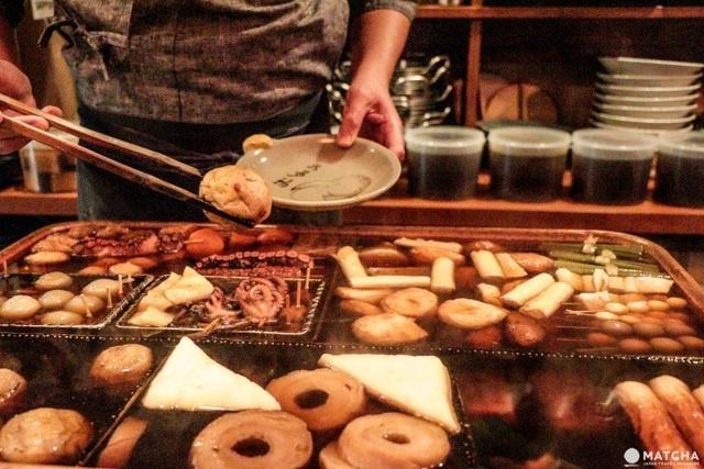 Kinh ngạc: Nhà hàng đun nồi nước dùng từ nửa thế kỷ trước cho khách ăn - 2