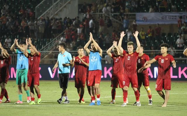 Sân Thống Nhất lung linh trong ngày U22 Việt Nam tái ngộ khán giả TPHCM - 12
