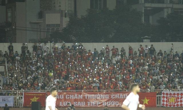 Sân Thống Nhất lung linh trong ngày U22 Việt Nam tái ngộ khán giả TPHCM - 2