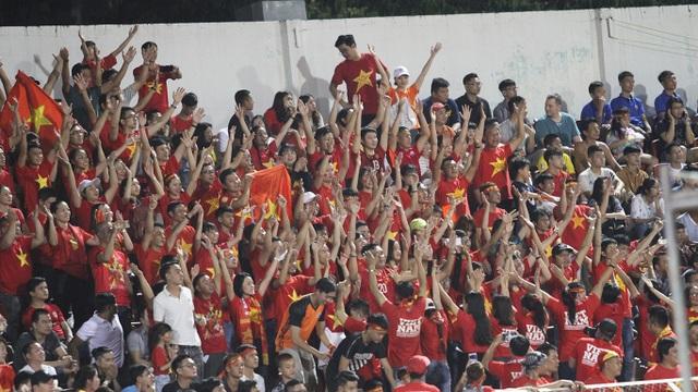 Sân Thống Nhất lung linh trong ngày U22 Việt Nam tái ngộ khán giả TPHCM - 5