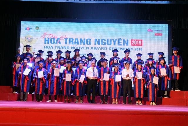 176 học sinh phía Bắc được trao giải Hoa Trạng Nguyên 2019 - 2