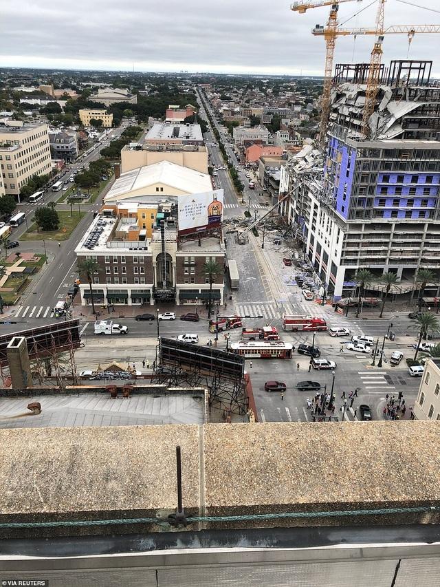 Kinh hoàng tòa nhà đang xây dựng bất ngờ đổ sập - 7