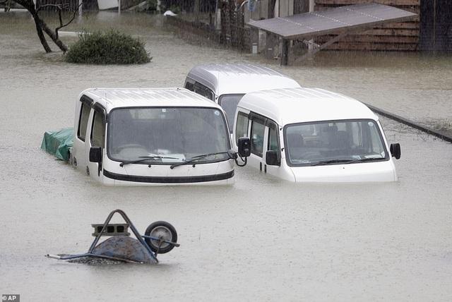 """Nhật Bản tan hoang sau siêu bão """"Quái vật"""" mạnh nhất trong 60 năm - 7"""