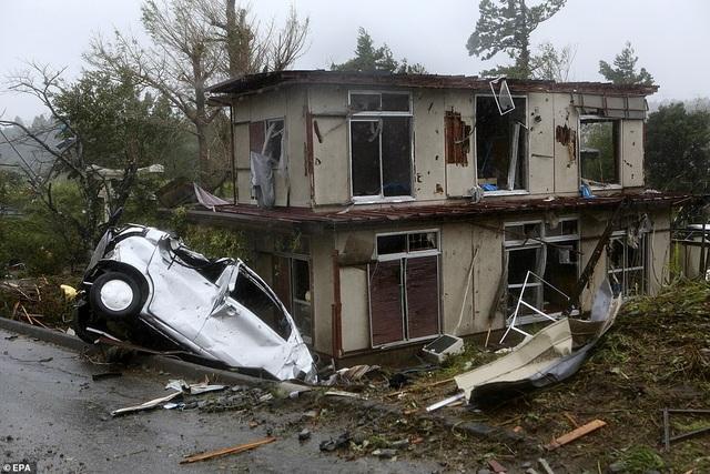 """Nhật Bản tan hoang sau siêu bão """"Quái vật"""" mạnh nhất trong 60 năm - 5"""
