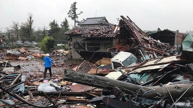 """Nhật Bản tan hoang sau siêu bão """"Quái vật"""" mạnh nhất trong 60 năm - 10"""