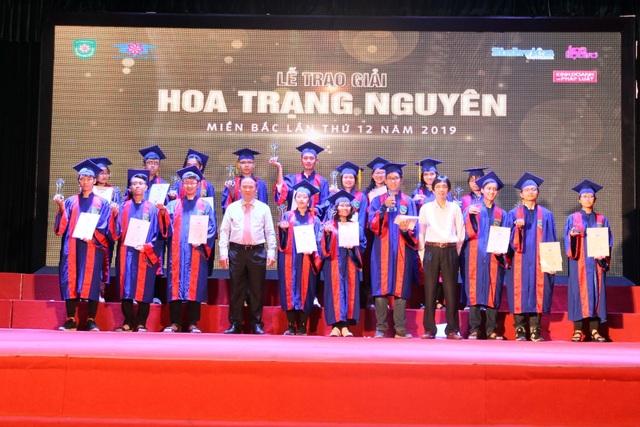 176 học sinh phía Bắc được trao giải Hoa Trạng Nguyên 2019 - 3