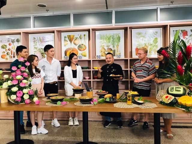 Khai trương Cuisine De Saigon: Võ Quốc gây thương nhớ cho hành khách sân bay bằng ẩm thực truyền thống Việt Nam - 1