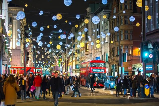 Hạ Long: Thắp sáng kinh tế đêm, hàng triệu du khách sẽ mang đến nguồn thu khủng thế nào? - 1