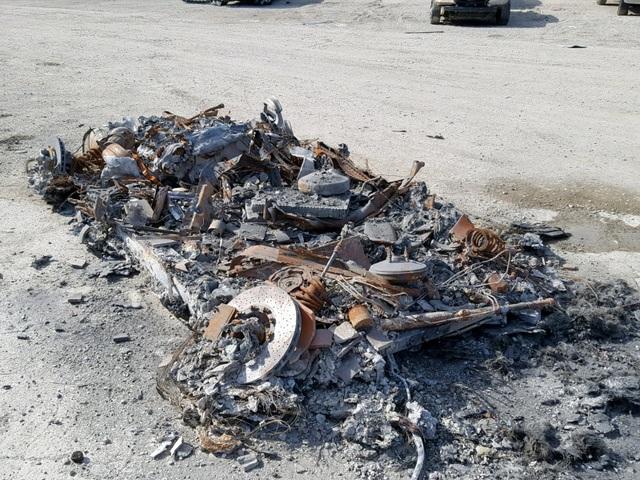 Khó hiểu chuyện rao bán siêu xe đã cháy thành sắt vụn - 1