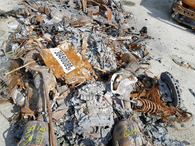 Khó hiểu chuyện rao bán siêu xe đã cháy thành sắt vụn - 3
