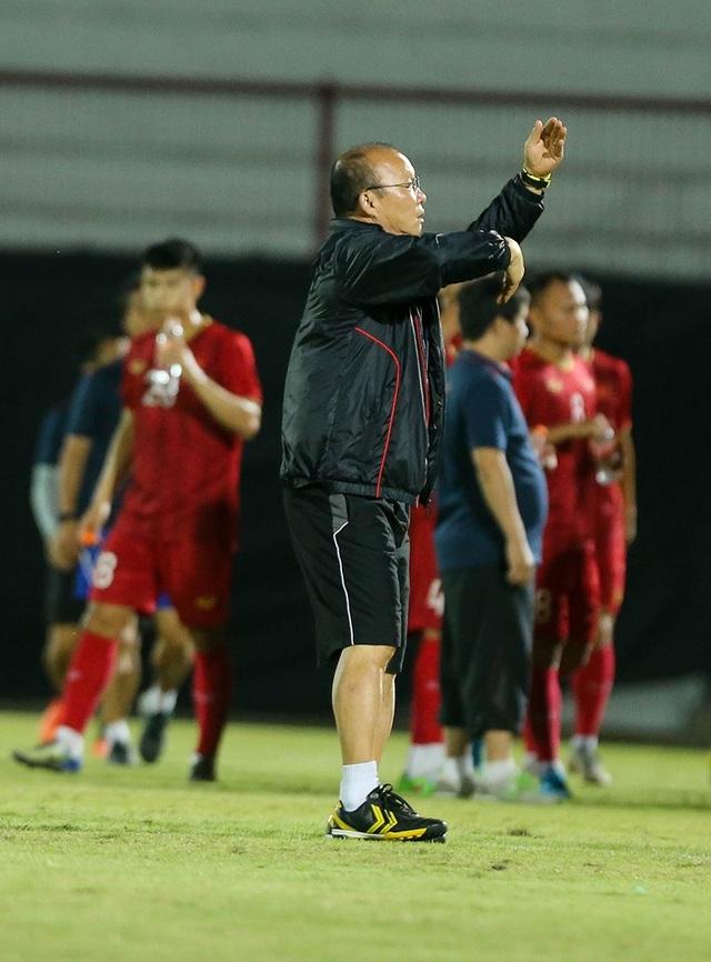Đội tuyển Việt Nam bị Indonesia xem trộm, HLV Park Hang Seo không hài lòng - 5