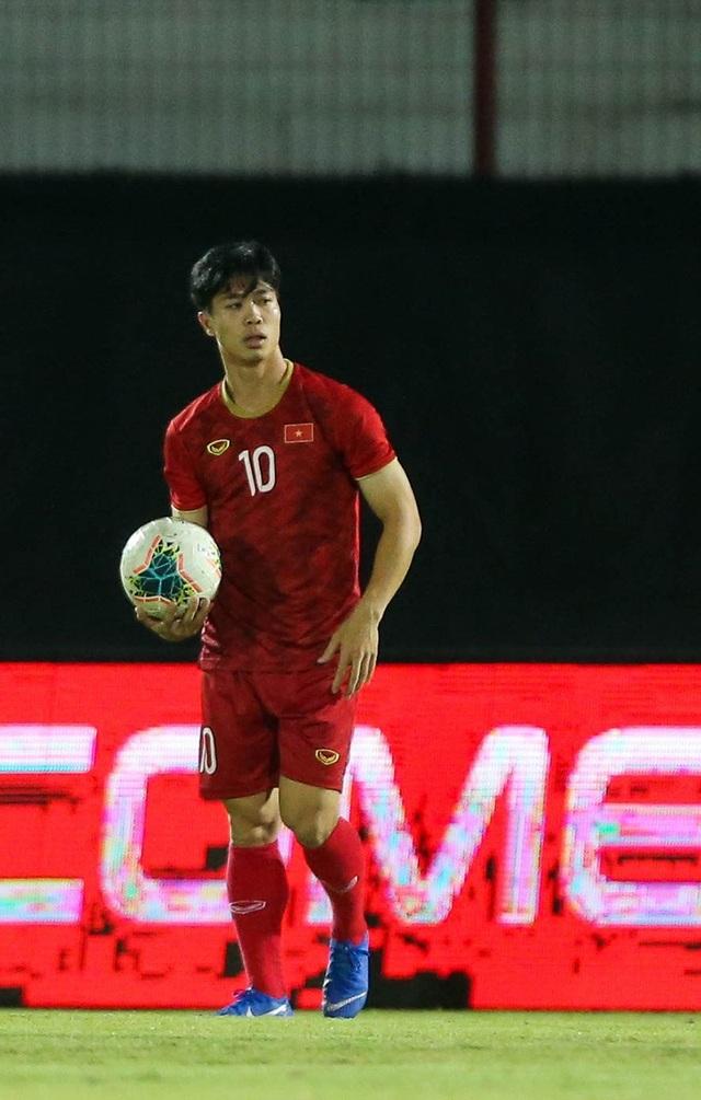 Đội tuyển Việt Nam bị Indonesia xem trộm, HLV Park Hang Seo không hài lòng - 17