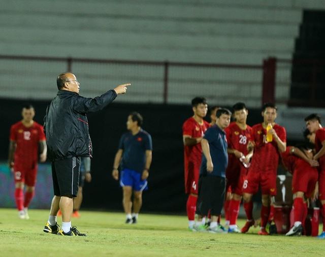 Đội tuyển Việt Nam bị Indonesia xem trộm, HLV Park Hang Seo không hài lòng - 2