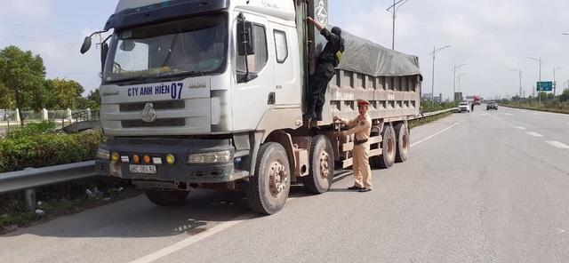 """Phong toả hàng loạt điểm nóng, xử lý hơn 3000 """"hung thần xa lộ"""" tại Bắc Giang - 2"""
