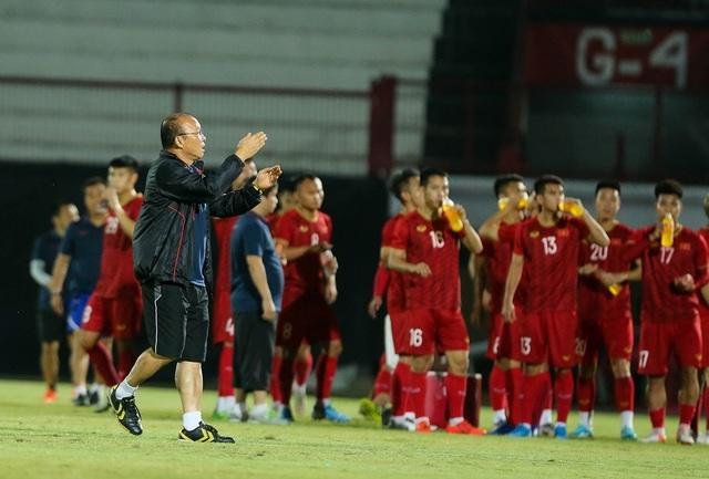 Đội tuyển Việt Nam bị Indonesia xem trộm, HLV Park Hang Seo không hài lòng - 1