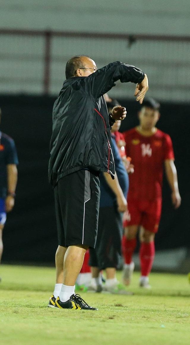 Đội tuyển Việt Nam bị Indonesia xem trộm, HLV Park Hang Seo không hài lòng - 4