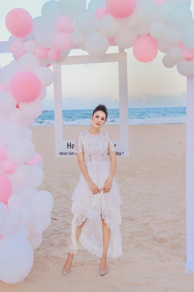 Sinh nhật sang chảnh bên bờ biển của người đẹp Hoa hậu Hoàn vũ - 5