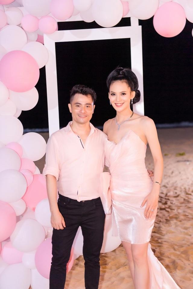 Sinh nhật sang chảnh bên bờ biển của người đẹp Hoa hậu Hoàn vũ - 14