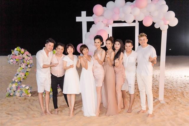 Sinh nhật sang chảnh bên bờ biển của người đẹp Hoa hậu Hoàn vũ - 8