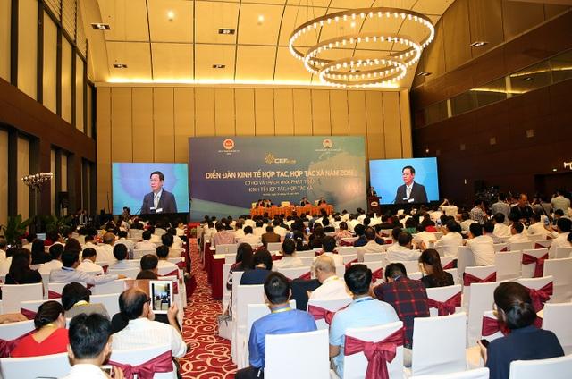 """Phó Thủ tướng phê bình lãnh đạo Bộ Tài chính, TNMT """"vắng mặt"""" tại Diễn đàn Kinh tế - 2"""