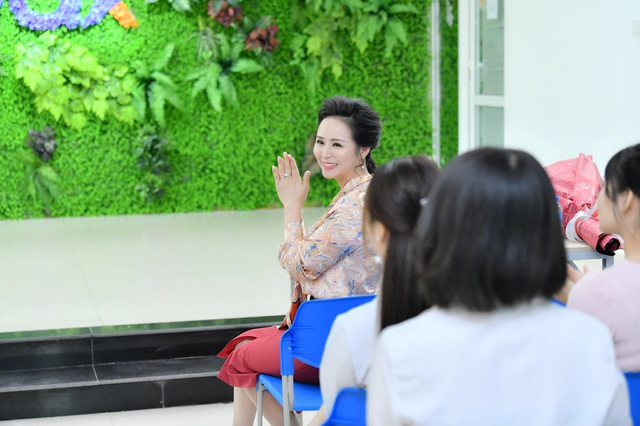 Một ngày trở lại làm cô giáo của Nữ hoàng Bùi Thanh Hương tại trường Đại học edX - 6