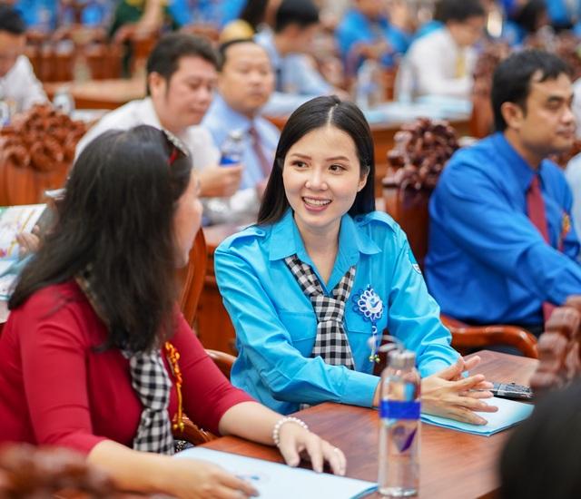 Hoa khôi Huỳnh Thúy Vi vào Ban chấp hành Hội Liên hiệp Thanh niên Cần Thơ - 9