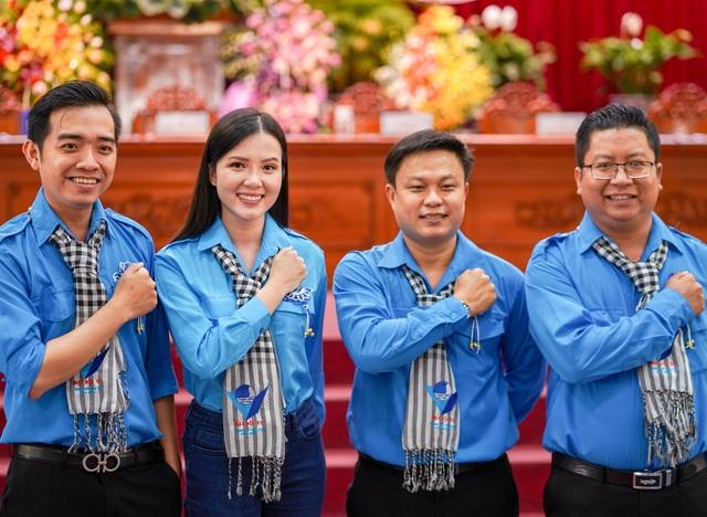 Hoa khôi Huỳnh Thúy Vi vào Ban chấp hành Hội Liên hiệp Thanh niên Cần Thơ - 10