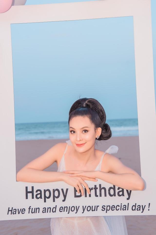 Sinh nhật sang chảnh bên bờ biển của người đẹp Hoa hậu Hoàn vũ - 10
