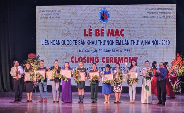 Quách Thu Phương bất ngờ đoạt Huy chương Vàng sau 10 năm nghỉ diễn - 2