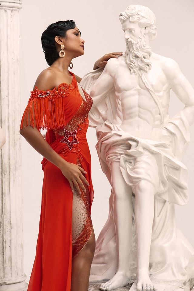 H'Hen Niê khác lạ khi hóa thân nữ thần Hy Lạp - 5