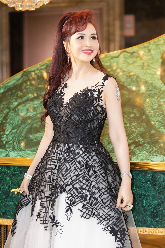 Hoa hậu Diệu Hoa, ca sĩ Thu Phương dự show diễn của Hoàng Hải tại Hà Nội - 11