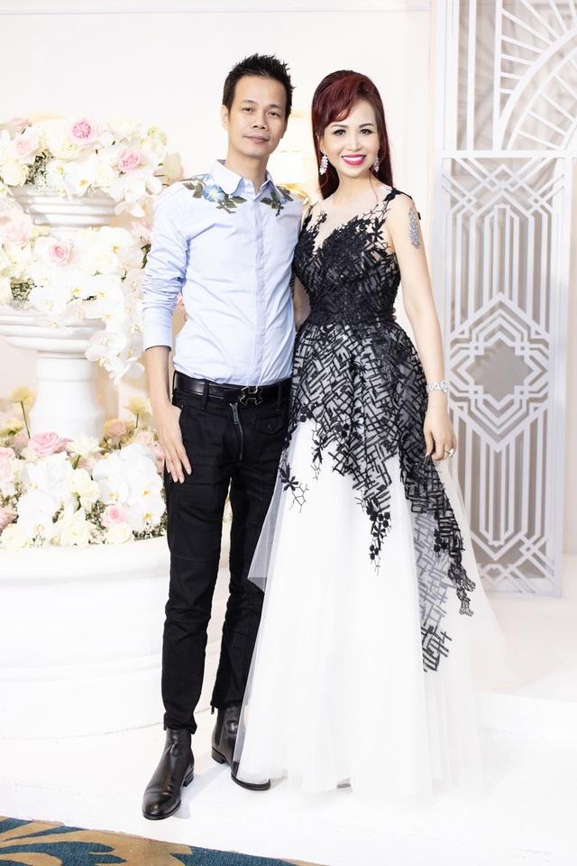 Hoa hậu Diệu Hoa, ca sĩ Thu Phương dự show diễn của Hoàng Hải tại Hà Nội - 1
