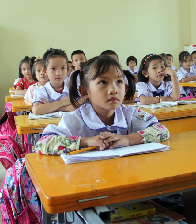 Bé gái 2 tuổi bị nồi canh đang sôi đổ lên người giờ đã bước chân vào lớp một - 5