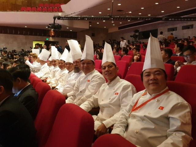 Chân dung bếp trưởng mang ẩm thực Huế ra thế giới - 4