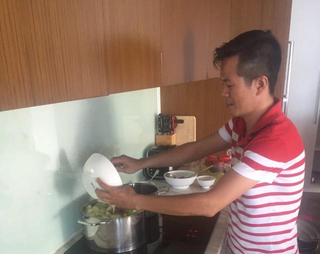 Chân dung bếp trưởng mang ẩm thực Huế ra thế giới - 5
