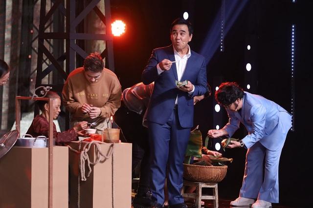 """MC Quyền Linh: """"Tôi từng phải đi bán bánh đúc, bánh lọt, rao khản cả cổ"""" - 4"""