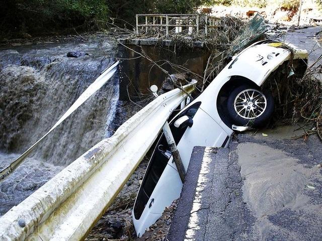 """Cảnh đổ nát sau siêu bão """"Quái vật"""" khiến 35 người chết tại Nhật Bản - 13"""