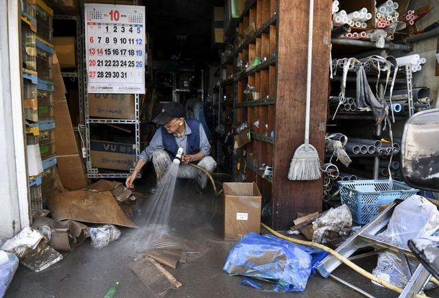 """Cảnh đổ nát sau siêu bão """"Quái vật"""" khiến 35 người chết tại Nhật Bản - 15"""