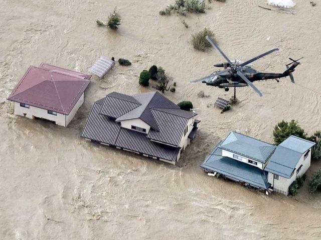 """Cảnh đổ nát sau siêu bão """"Quái vật"""" khiến 35 người chết tại Nhật Bản - 2"""