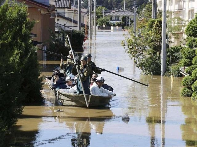 """Cảnh đổ nát sau siêu bão """"Quái vật"""" khiến 35 người chết tại Nhật Bản - 3"""