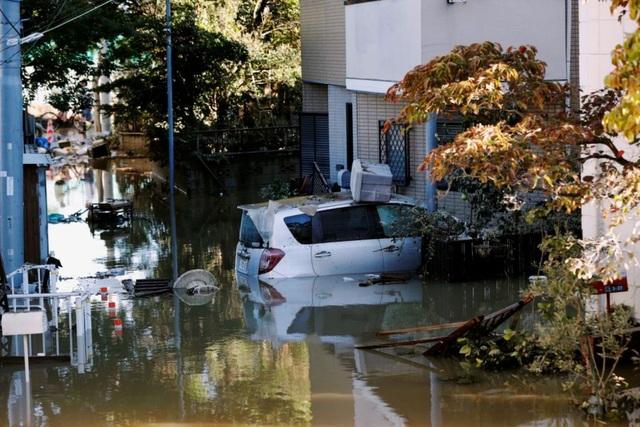 """Cảnh đổ nát sau siêu bão """"Quái vật"""" khiến 35 người chết tại Nhật Bản - 4"""