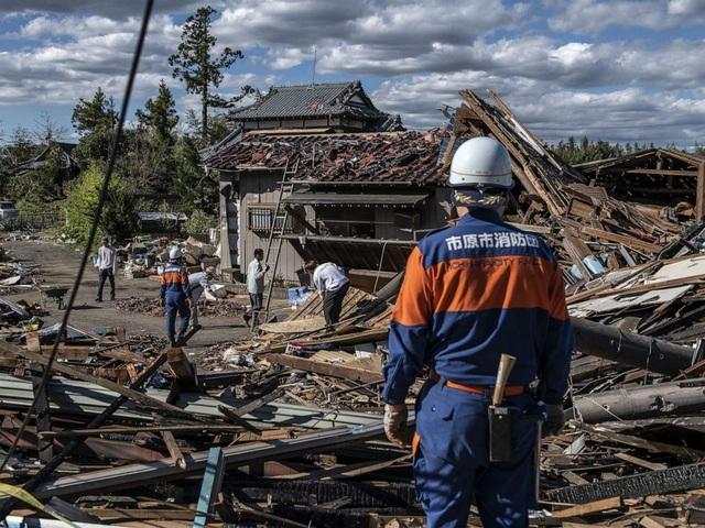 """Cảnh đổ nát sau siêu bão """"Quái vật"""" khiến 35 người chết tại Nhật Bản - 12"""