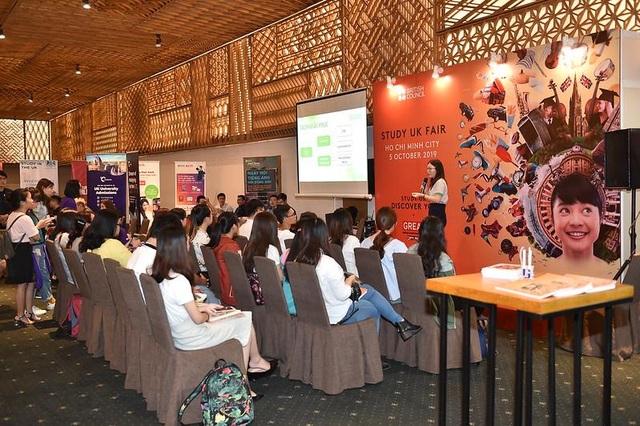 Giới trẻ rủ nhau tham gia Triển lãm giáo dục Vương quốc Anh 2019 - 1