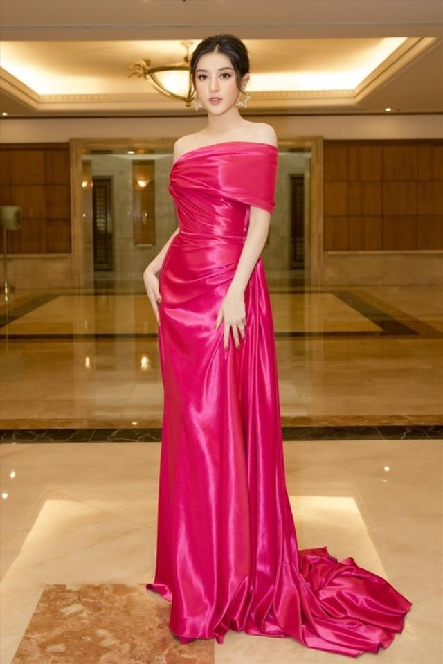 Hoa hậu Tiểu Vy bị chê khi thay đổi hình ảnh - 5