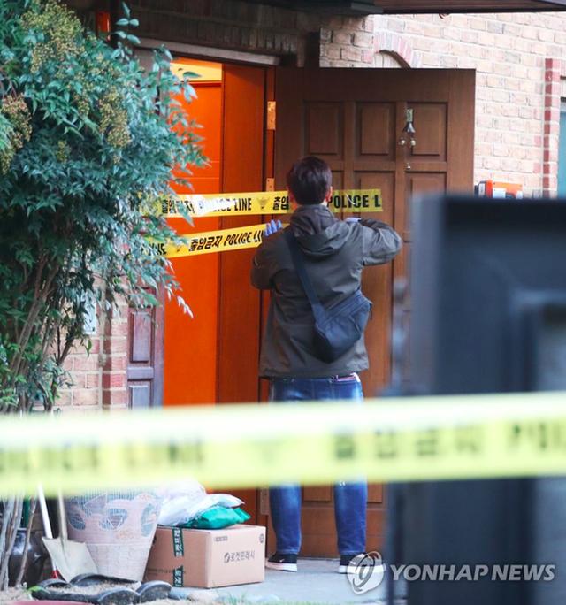 Cảnh sát phong toả nhà riêng của Sulli, thi thể nữ ca sĩ trẻ được đưa tới viện - 6